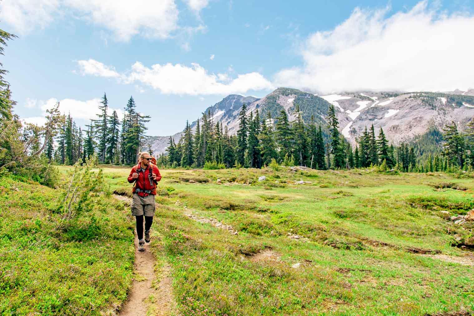A bucket list worthy overnight hike: Russell Lake in Jefferson Wilderness, Oregon